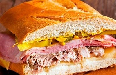 8 sandwich cubano cortado plato CUBA DESCUENTOS
